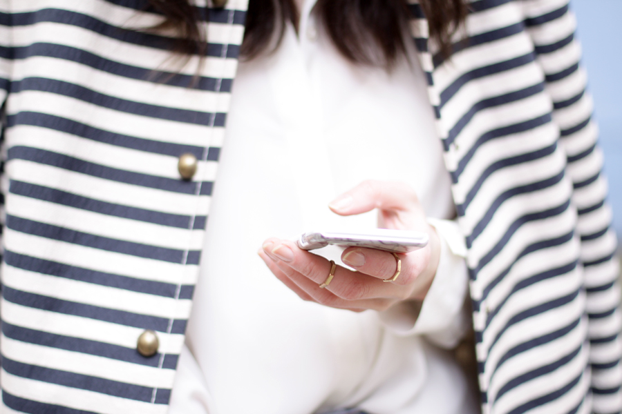 spring outfit striped coat mum jeans white shirt sailor asos joop fashion blue blau blaue jeans prada sunglasses sonnenbrille stylish modeblogger fashionblogger germany ricarda schernus blog cats and dogs 4
