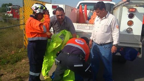 Atención oportuna de protección civil en incendio de empresa