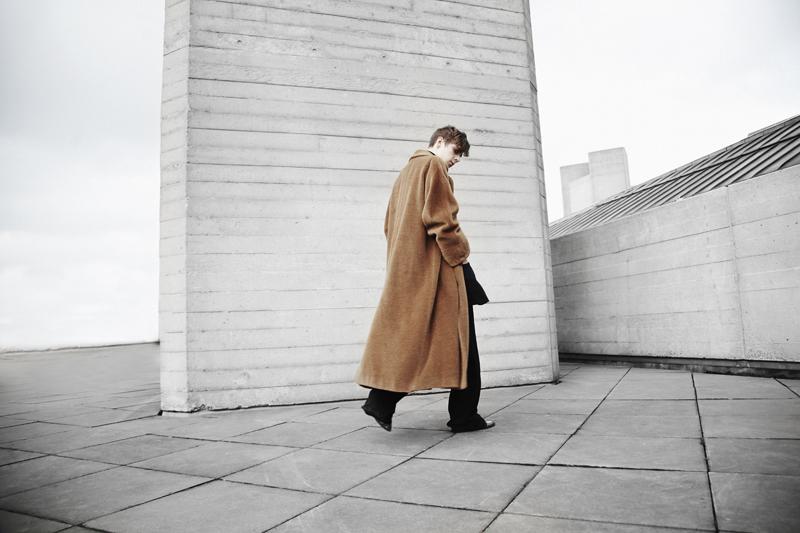 mikkoputtonen_fashionblogger_london_vintageCamelCoat_widelegtrousers_rachelzoeShoes3_web