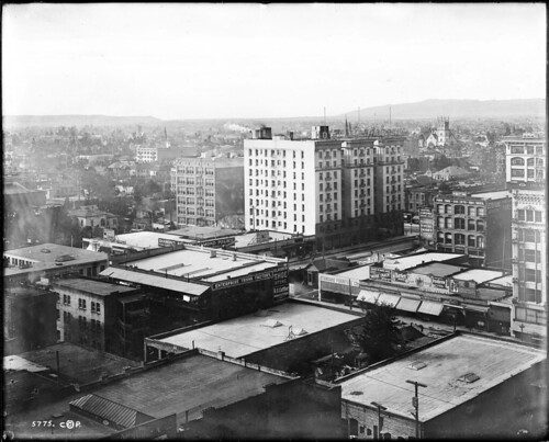 Panoramic view of Los Angeles, looking west from the Pacific Electric building, with Main Street and 7th Street in view, January 1, 1907 (CHS-5775)