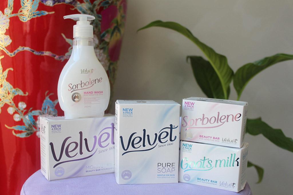 Australian beauty review ausbeautyreview blog aussie Velvet soap liquid bar sorbelene goatsmilk goats milk