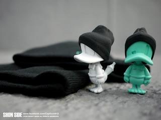 SHON SIDE – CAP DUCK BEANIE 溫暖毛帽鴨 大小毛帽齊出動