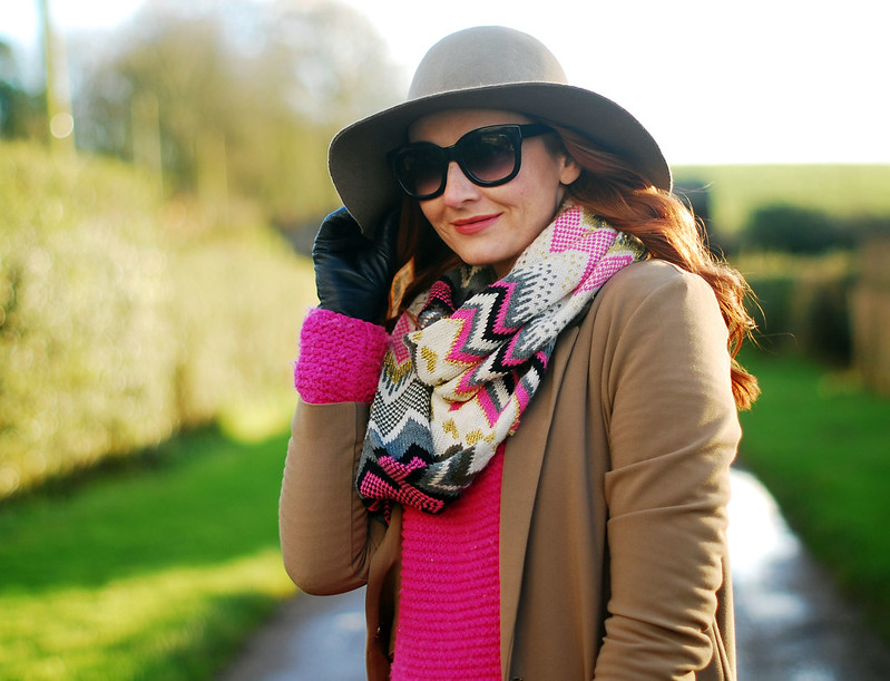 Pink, black and camel winter style