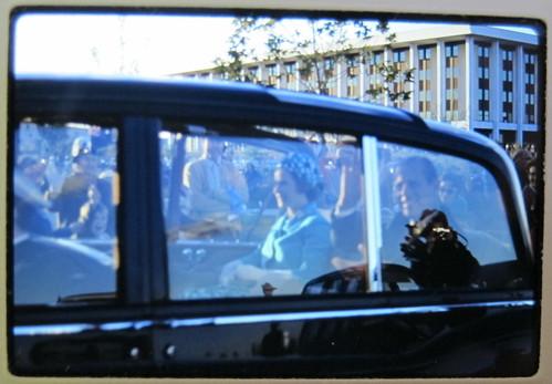 B4R68-5 The Queen & Duke drive by
