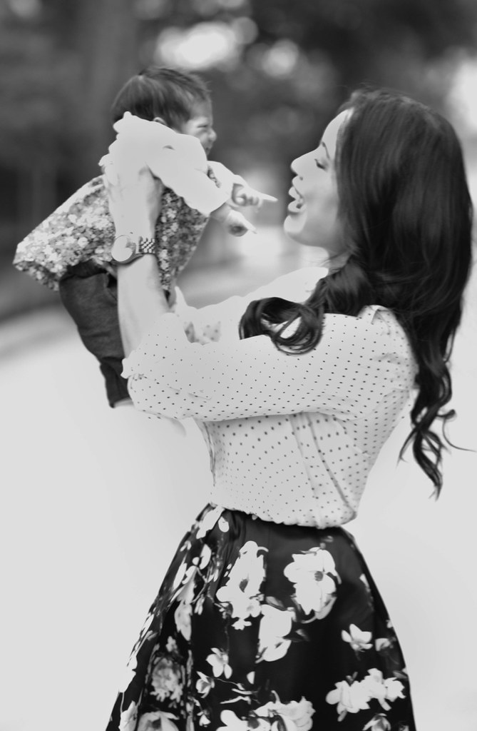 https://cuteandlittle.com | petite fashion lifestyle blog | mommy daughter outfit | polka-dot florals springtime