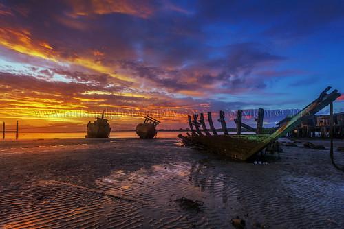 reflection abandoned tourism rural sunrise boat fishing sand nikon asia skies village frame colourful epic sabah textured kualapenyu watervillage leefilters d800e nurismailphotography nurismailmohammed nurismail leeglassenhancement