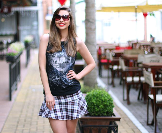 06-saia-xadrez-blusa-preta-sempre-glamour