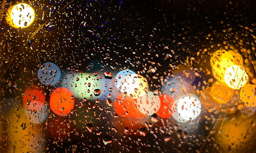 street columbus ohio bus window water glass rain night dark lights drops high focus gallery bokeh north stop rainy short raindrops hop multicolored