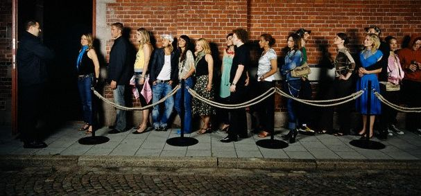 nightclub queue