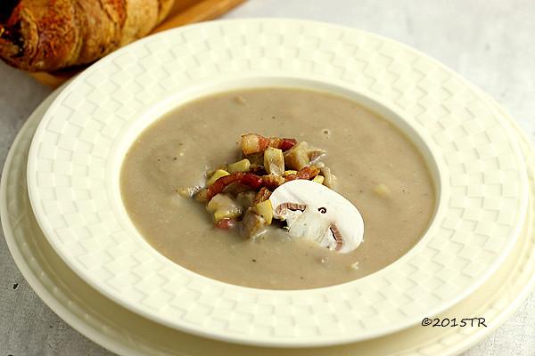 栗子湯佐培根和牛肝蕈片 Soupe de châtaignes au lard, copeaux de cèpes-20150305