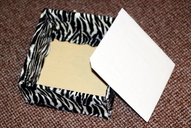 make-your-own-storage-box, DIY Fabric storage box, cardboard diy, fabric cardboard box diy, how to add fabric into a cardboard box, Fabric covered boxes, How to Make Fabric Covered Cardboard Storage Box, How To Cover A Box With Fabric, DIY fabric box, DIY Fabric Storage Boxes, DIY Fabric Boxes, fabric box, DIY Fabric Covered Boxes