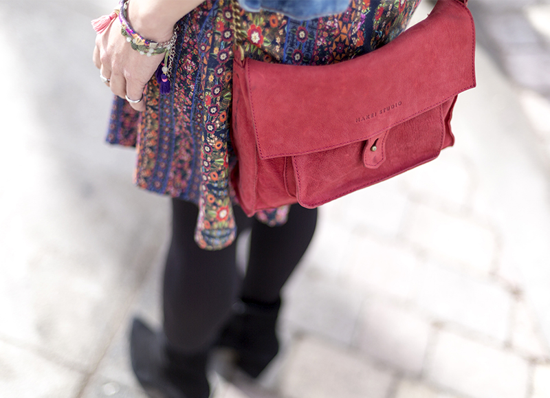 street style barbara crespo hakei flowers dress denim jacket red bag fashion blogger outfit blog de moda