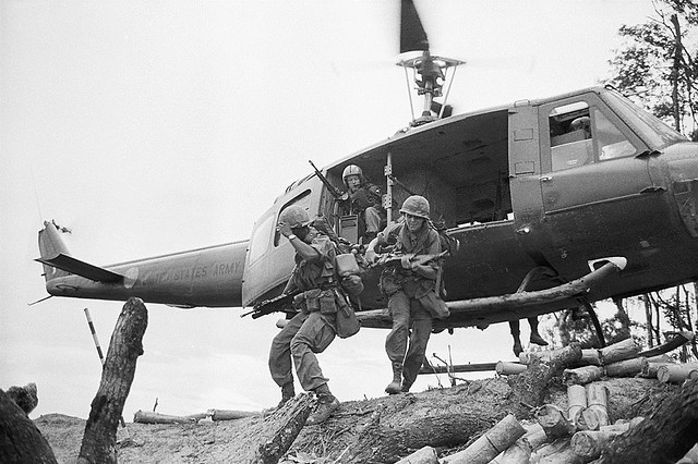 Vietnam War 1969 - Hamburger Hill - Photo by Shunsuke Akatsuka