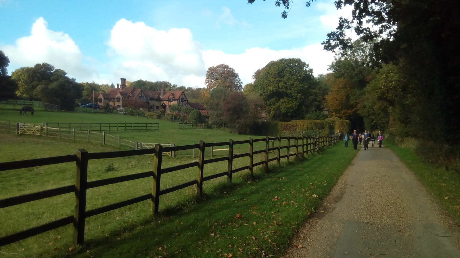 Approaching Little Gaddesden