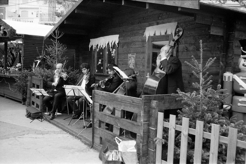 Orchestra - Xmas market - Cannes