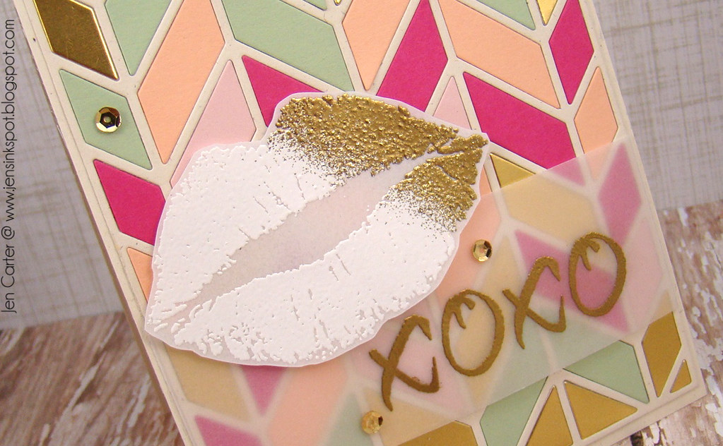 Jen Carter LID Gold Smooches Closeup