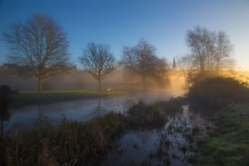 trees winter orange mist reflection church water misty sunrise boat frost glow village malmesbury