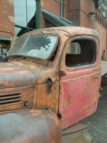 Rusted truck, Distillery District (3)