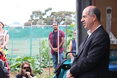 Federal MP for Wills Kelvin Thomson gives a short speech on the importance of urban food for sustainability IMG_9519