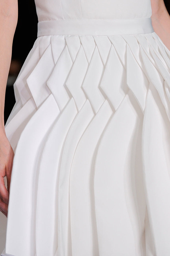 something fashion blog, valencia spain moda editoriales blanco industrial interiorismo, fashionblogger españa