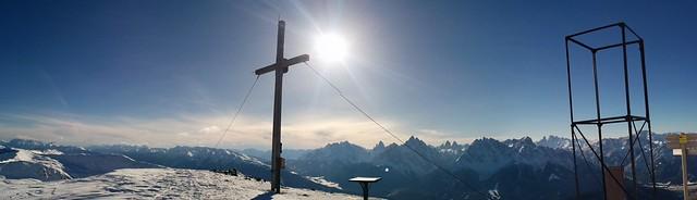 Gipfelkreuz Toblacher Pfannhorn und Gipfelaussicht