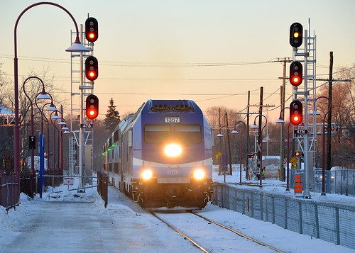 winter snow quebec montreal bombardier amt agencemétropolitainedetransport montrealwest dualmodeengine alp45dp amt1357 amt112