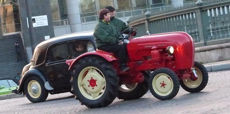 Jolis tracteurs agricoles ......... Porsche 16282339206_058f3f4561_c