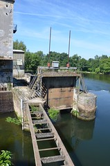 River Lot - Écluse de St-Vite - the old lock chamber is in use for hydro-electric generation