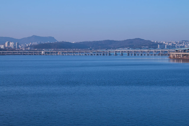 The Han River on a clear morning