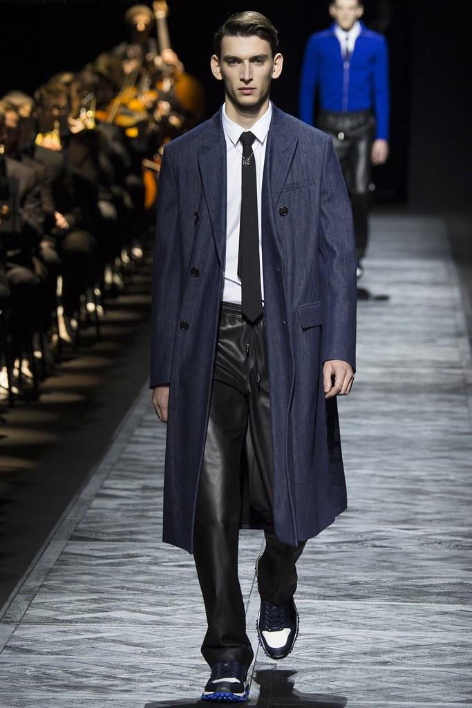 FW15 Paris Dior Homme015_Thibaud Charon(VOGUE)