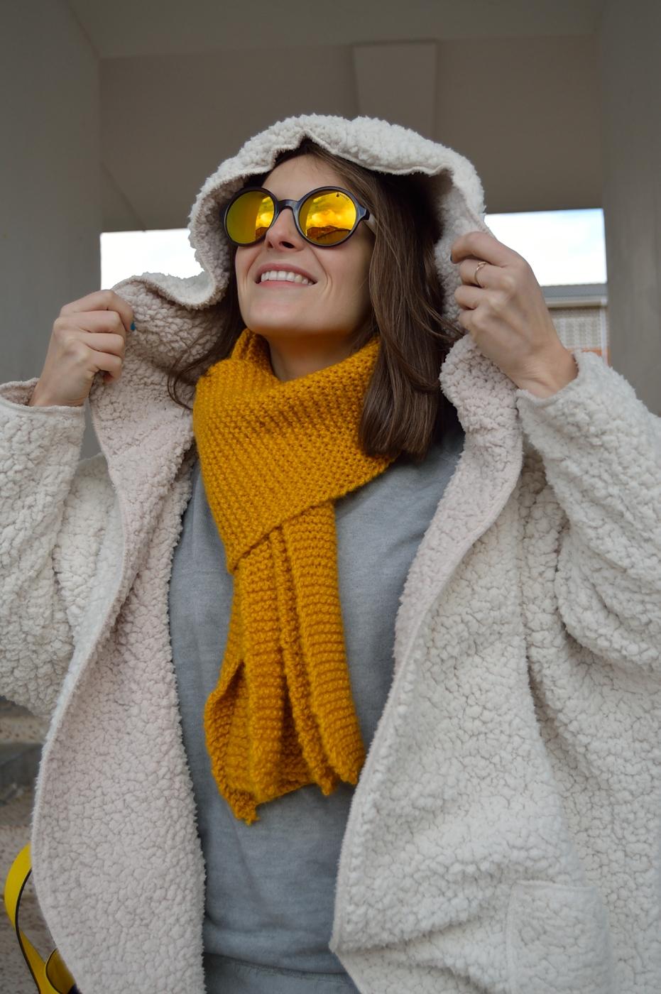lara-vazquez-mad-lula-style-streetstyle-pop-of-yellow