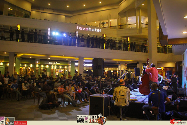 Pre Event Java Jazz Festival 2015 - Braga Jazz Walk Braga CityWalk- VAC ft Yeppy Romero Marcello Alulli (14)