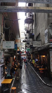 A narrow Melbourne lane