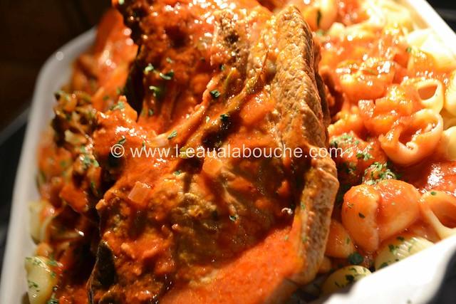 Côtelettes en Cocotte à la Sauce Tomate et Pipe Rigate © Ana Luthi Tous droits réservés 034_GF