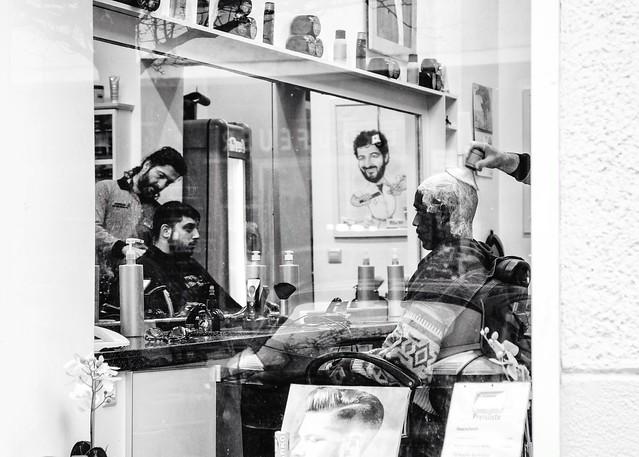 Barber Definition : Barbershop definition/meaning