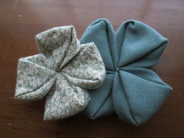Four leaf clover kanzashi
