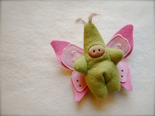 Green/Pink BUTTERFLY: tan