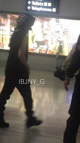 Big Bang - Melbourne Airport - 20oct2015 - jenny35 - 01