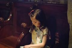 Pretending to read - Photo of Les Mées