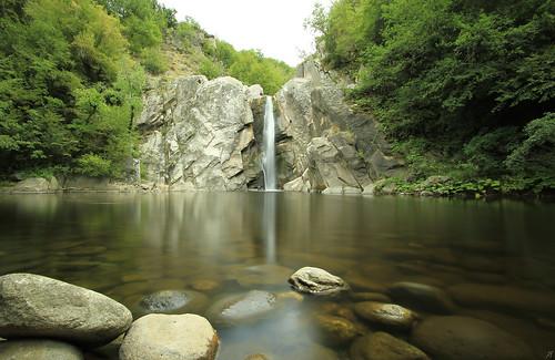 φύση δράμα νερό λίμνη καταρράκτησ καταρράκτεσ βράχια βράχοσ βράχοι πέτρεσ ροή πτώση ηρεμία αγία βαρβάρα αγίαβαρβάρα καταρράκτησαγίασβαρβάρασ δάσοσ δέντρο δέντρα nd nature drama μακεδονία ελλάδα makedonia greece waterfall water fall flow river lake ποταμόσ agia barbara varvara tree park serenity