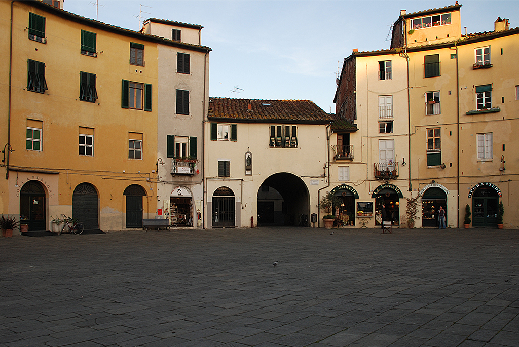 Lucca 132