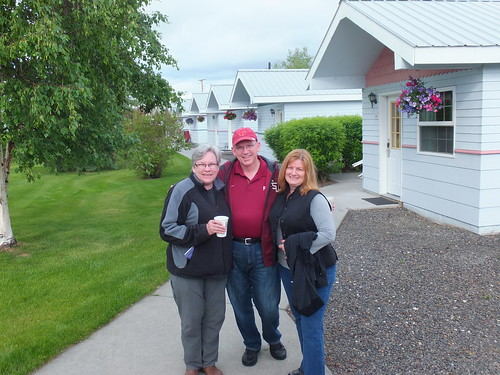 29. Irene, Frosty and Pattye in Fairbanks