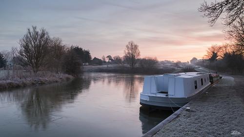 ice sunrise canon reflections landscape dawn landscapes boat canal frozen frost locks devizes narrowboat kennetandavoncanal caenhilllocks rowde caenlocks jaketurner canon5dmarkiii jrturnerphotography
