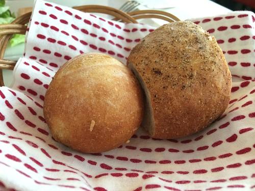 パンは焼きたて!@ビストロ・サン・ル・スー