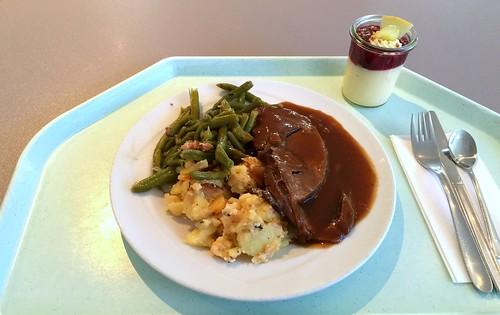 Roast lamb with bacon beans & potato gratin / Lammbraten mit Speckbohnen & Kartoffelgratin