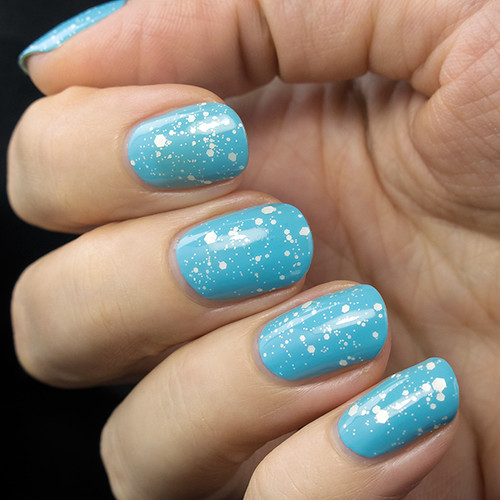 O.P.I. To Infinity And Blue-yond & Gina Tricot Snow