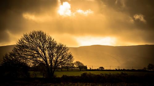ireland field canon countryside raw farm silhouettes lightbeam 2015 landscapephotography irishlandscape lightandcloud irishrural
