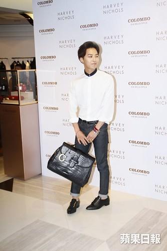 G-Dragon_HarveyNichols-COLOMBO_VIA_DELLA_SPIGA-HongKong-20140806 (12)