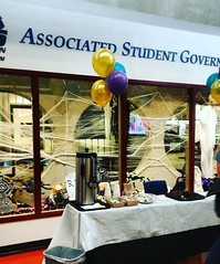 Clubs, cookies, and coffee! Check out ASG Club Day in The Commons now! Here until 2 p.m.   #collegelife #club #jointheclub #kirklandwa #StudentFun #getinvolved #wednesdaywisdom #free #coffeetime #findyourtribe #thelwtech #studentgovernment