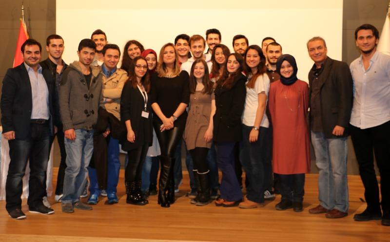 Televizyoncu Simge Fıstıkoğlu Üsküdarlı öğrencilerle buluştu… 3